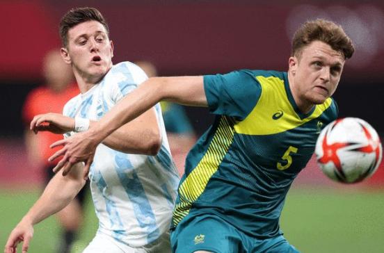 奥运-超级冷门!奥尔特加红牌 10人阿根廷0-2不敌澳洲